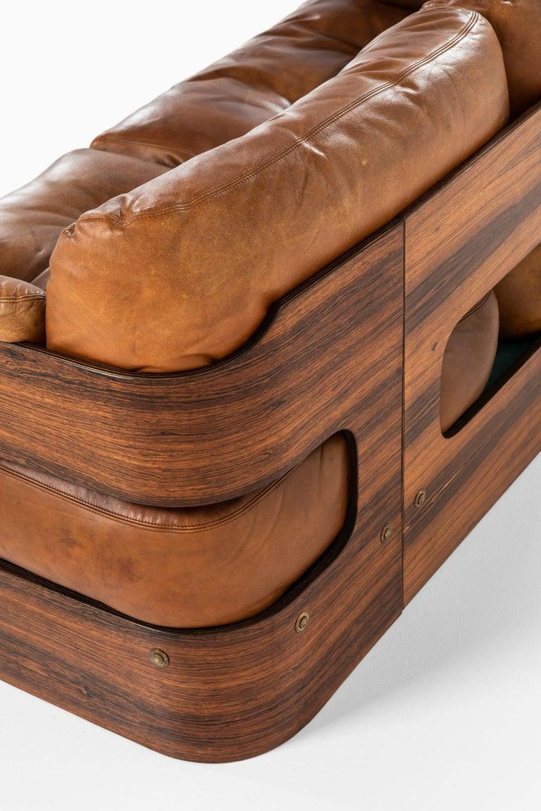 Maija Ruoslahti Sofa Produced by Sopenkorpi in Finland In Good Condition For Sale In Malmo, SE