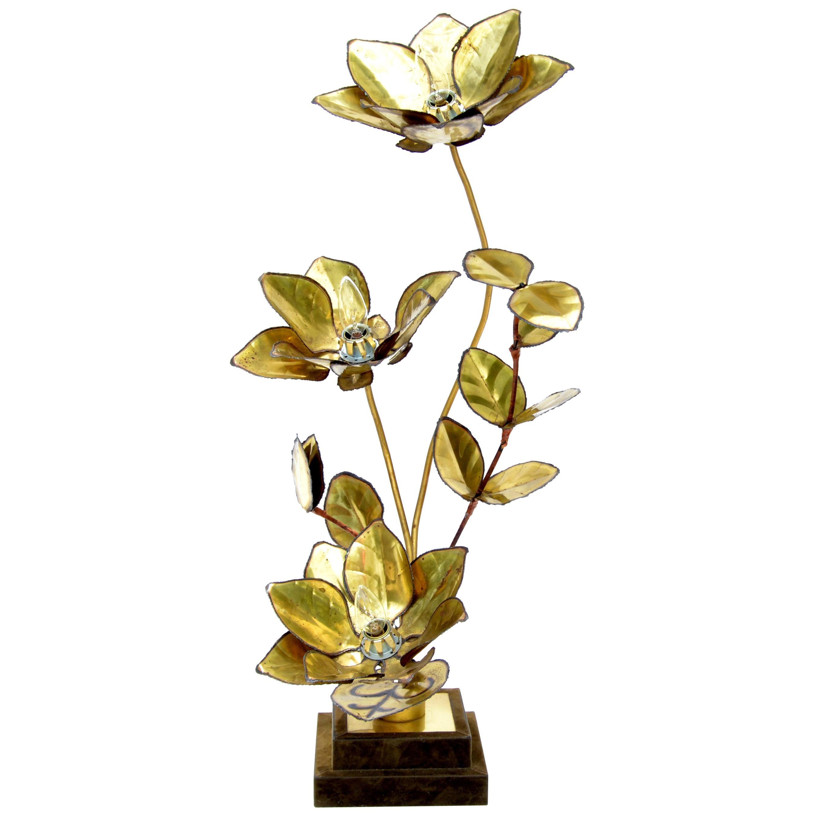 Maison Jansen French Mid-Century Modern 3-Light Cut Brass Flower Table Lamp
