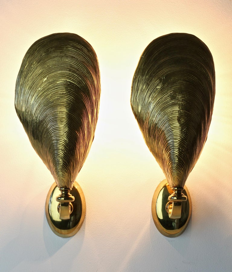 French Maison Jansen Pair of Midcentury Bronze Mussel Shell Wall Lights or Sconces For Sale