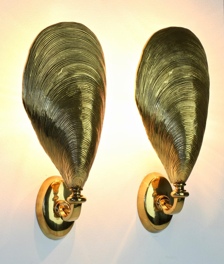 20th Century Maison Jansen Pair of Midcentury Bronze Mussel Shell Wall Lights or Sconces For Sale