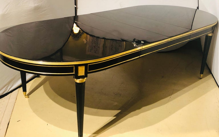 20th Century Maison Jansen Style Ebony Lacquered Dining Table in Hollywood Regency Fashion For Sale