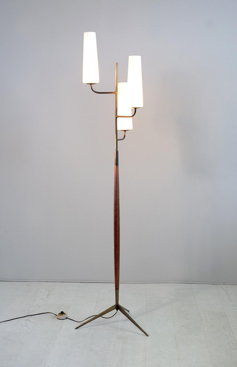Maison Lunel, Tripod Floor Lamp with Three Opalines, France, 1960 In Good Condition For Sale In Catonvielle, FR
