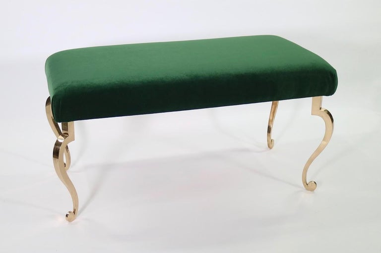 20th Century Maison Ramsay Hollywood Regency Bronze Bench in Emerald Green Velvet Upholstery For Sale