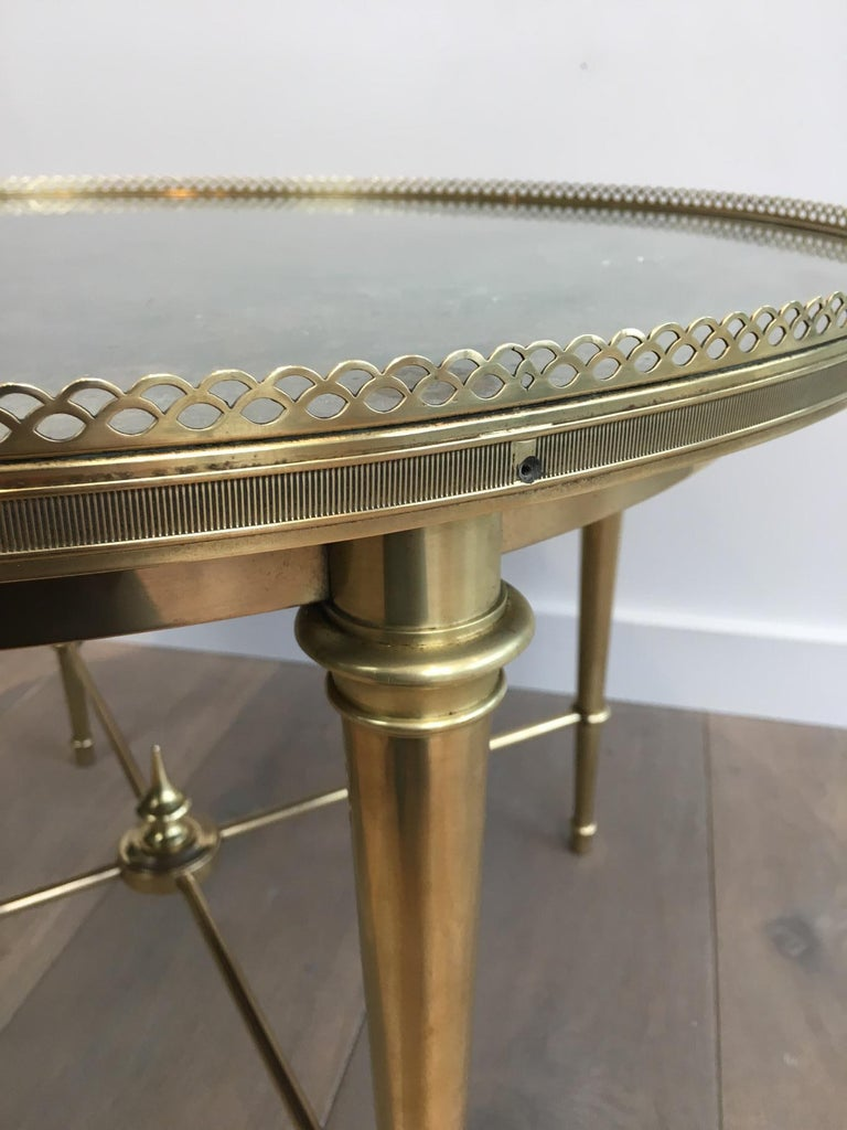 Maison Ramsay, Neoclassical Round Brass Coffee Table with Eglomized Glass Top For Sale 6