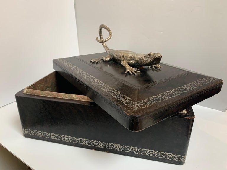 American Classical Maitland Smith Leather Box with Bronze Cast Lizard, circa 1980 For Sale