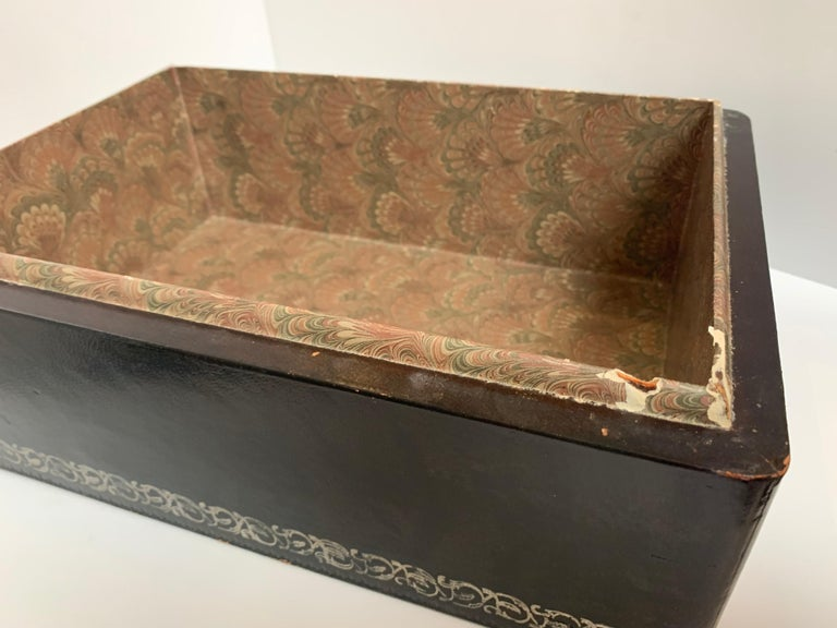 Maitland Smith Leather Box with Bronze Cast Lizard, circa 1980 In Distressed Condition For Sale In Los Angeles, CA