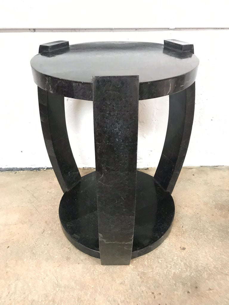 Maitland Smith Asian influenced Ming style side end occasional or drinks table rendered in tessellated black marble.