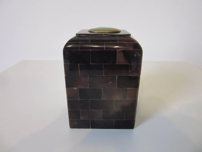 Maitland Smith Tessellated Horn and Gem Stone Decorative Box In Excellent Condition For Sale In Cincinnati, OH