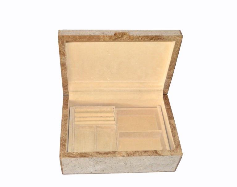 Mid-Century Modern Maitland-Smith Vintage Beige Tessellated Stone and Onyx Decorative Jewelry Box For Sale