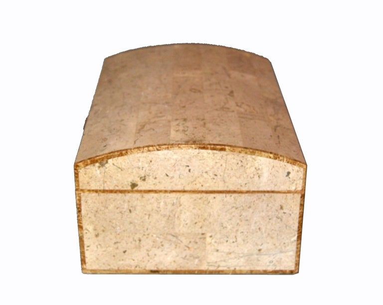 Maitland-Smith Vintage Beige Tessellated Stone and Onyx Decorative Jewelry Box In Good Condition For Sale In Miami, FL