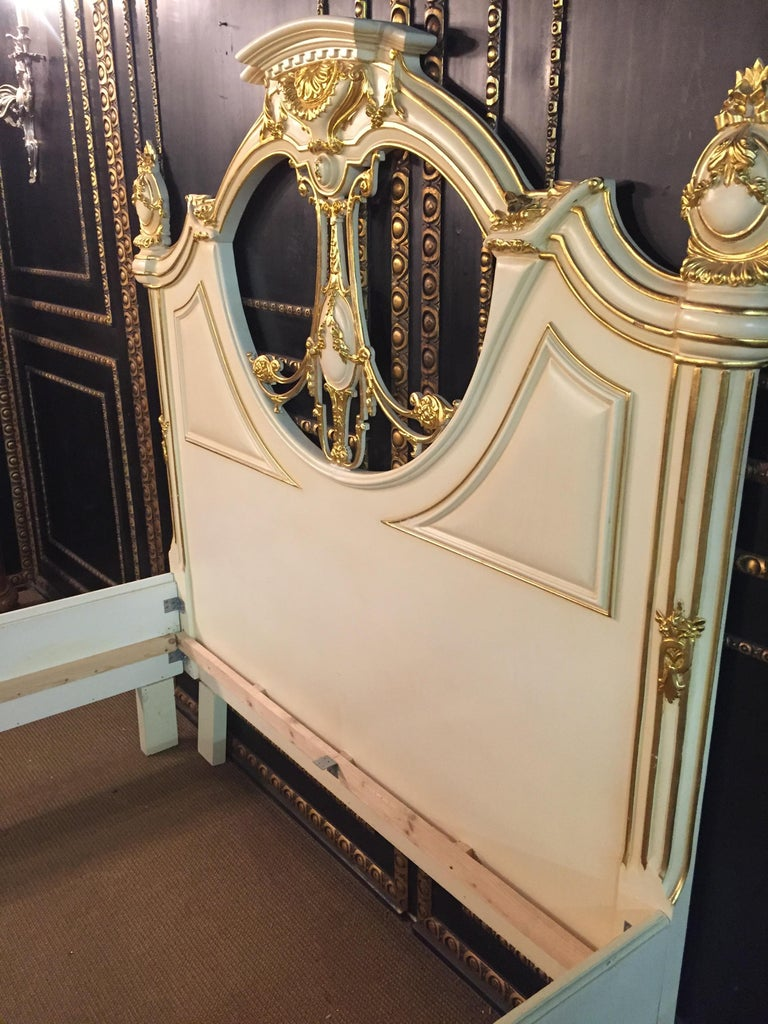 Majestic Baroque Bed in the Style of Louis XVI For Sale 10