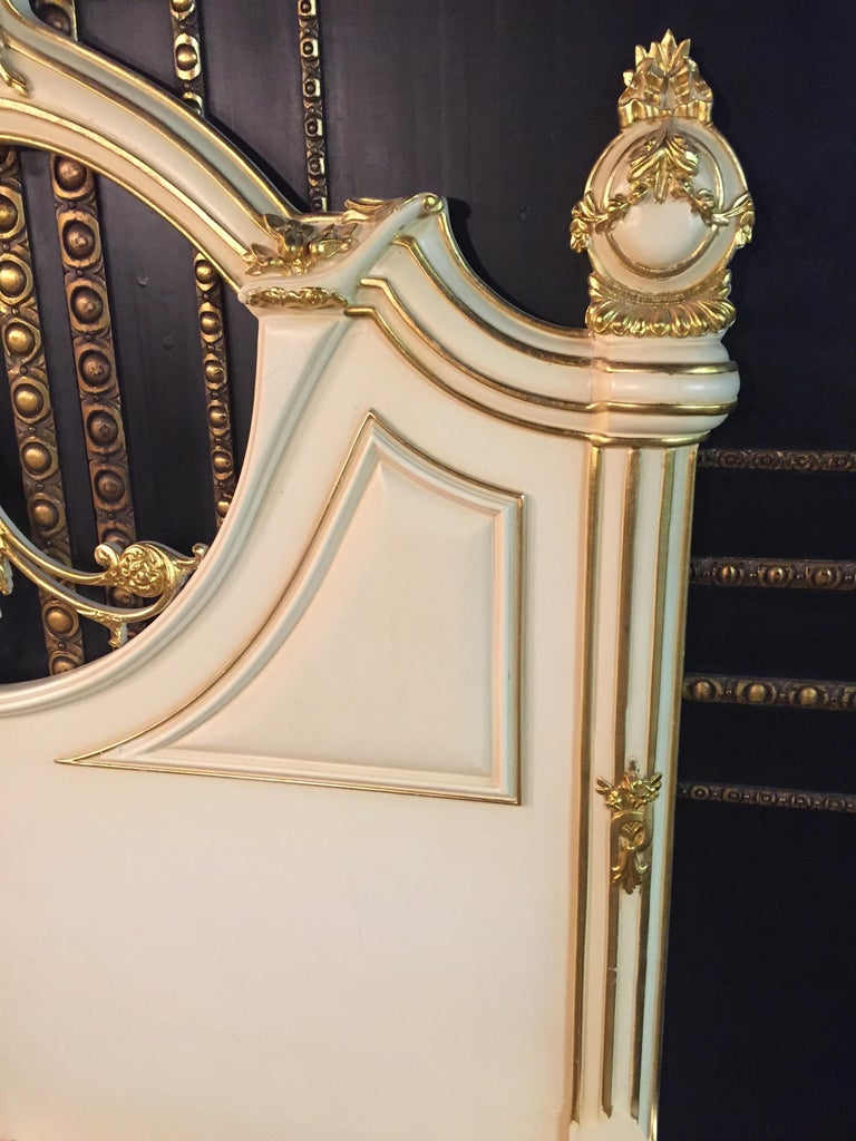 Majestic Baroque Bed in the Style of Louis XVI For Sale 11