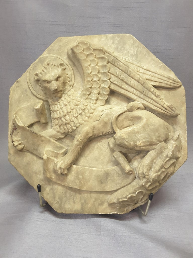 Majestic Winged Lion Building Fragment, Birmingham, Late 18th-Early 19th Century For Sale 7