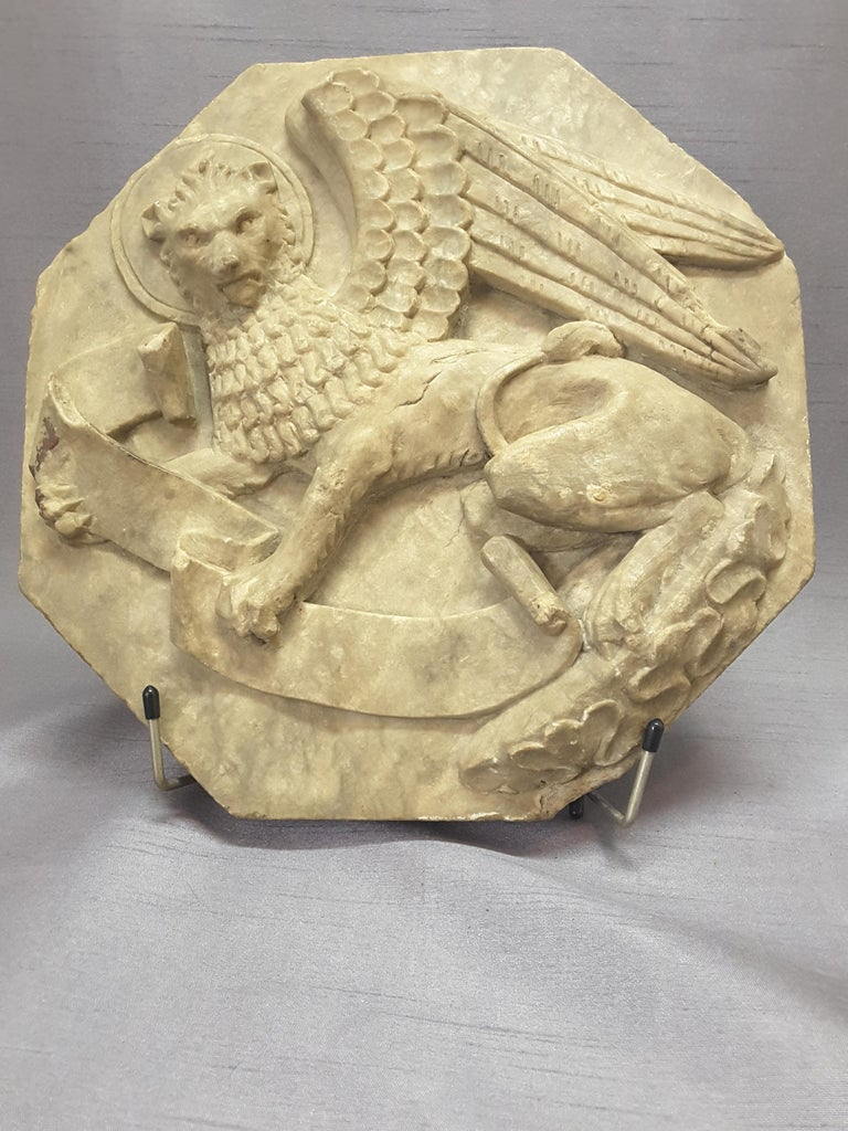 Georgian Majestic Winged Lion Building Fragment, Birmingham, Late 18th-Early 19th Century For Sale