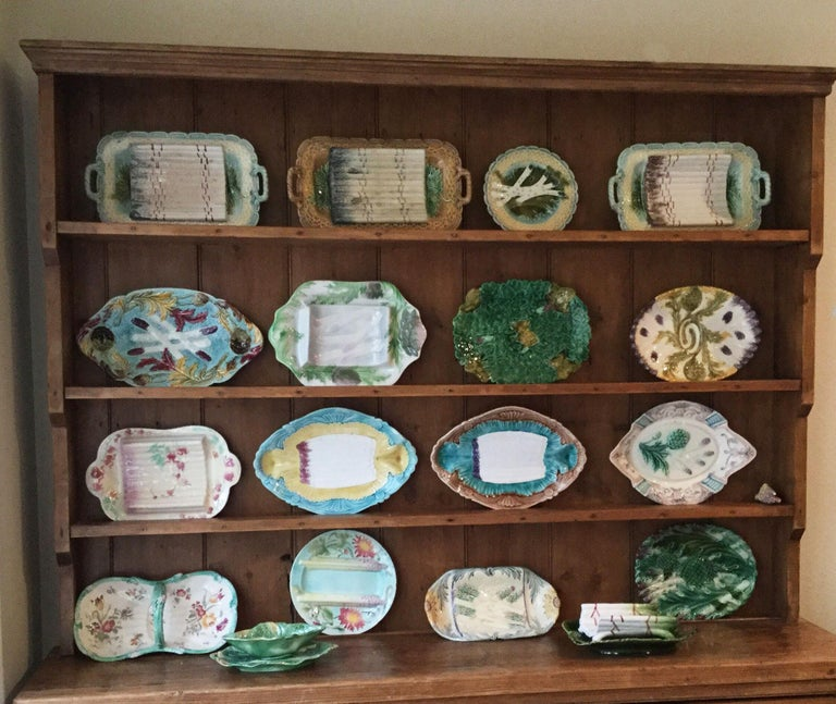 Majolica Asparagus Plate with Mums Keller & Guerin Saint Clement For Sale 3