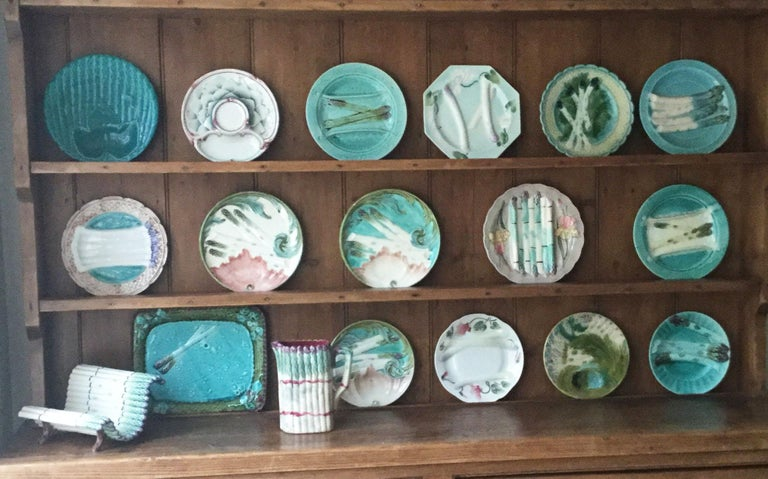 Majolica Asparagus Plate with Mums Keller & Guerin Saint Clement For Sale 2