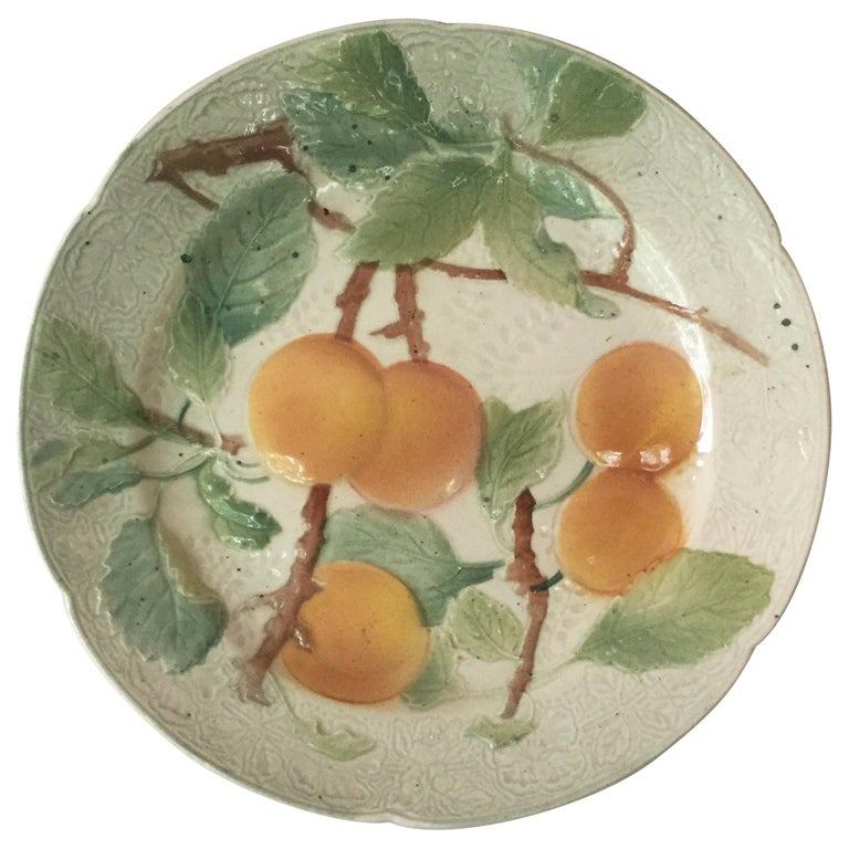 Majolica Cherries Plate Keller & Guerin Saint Clément In Good Condition For Sale In The Hills, TX