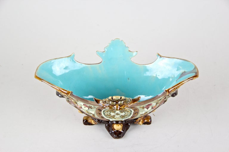 Hand-Painted Majolica Jardiniere by Wilhelm Schiller & Son, Bohemia, circa 1890 For Sale