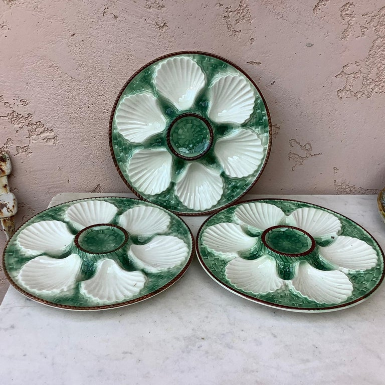 French Provincial Majolica Oyster Plate Longchamp, circa 1930 For Sale
