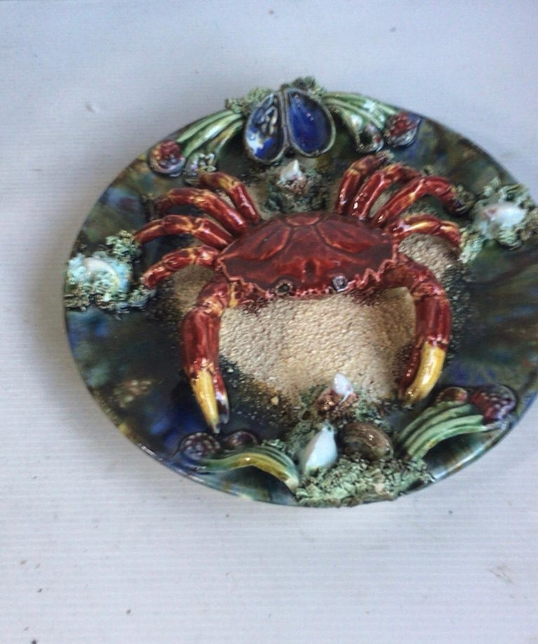 Majolica Palissy Portuguese Crab Wall Platter, circa 1940 In Good Condition For Sale In The Hills, TX