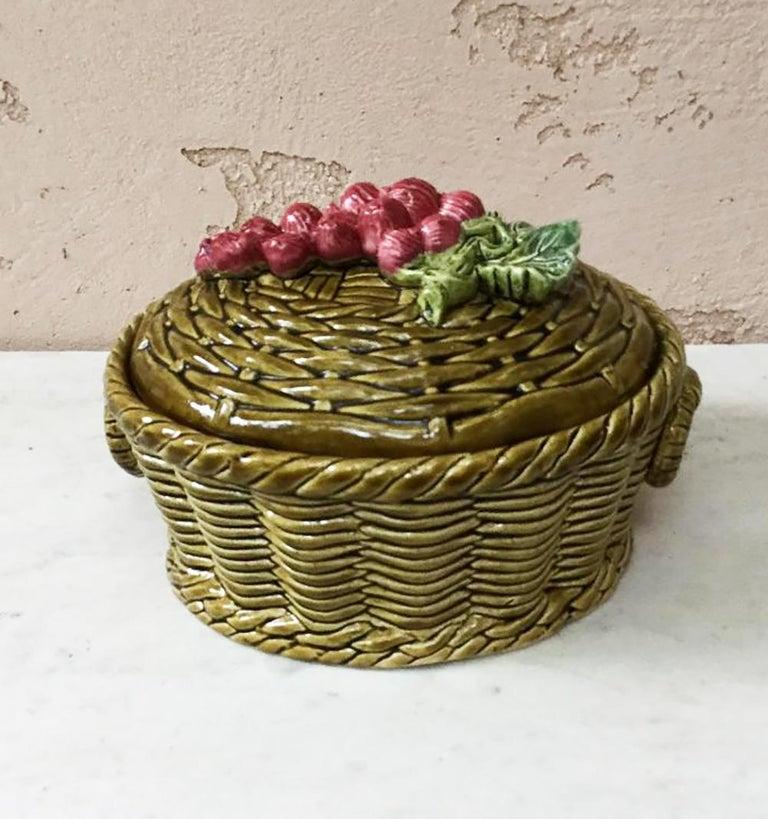 Majolica Pansies Basket Sarreguemines, circa 1920 4