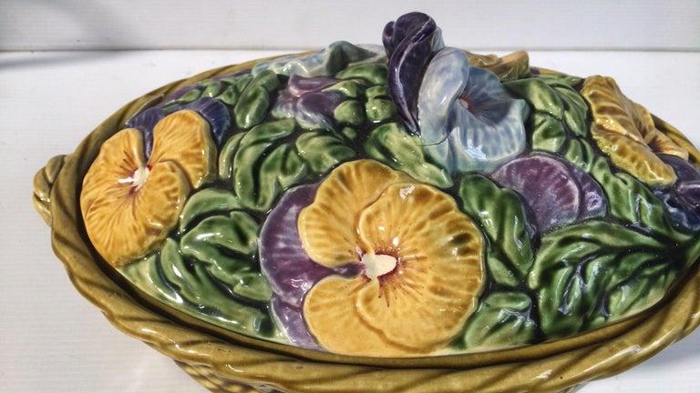 Large Majolica basket with pansies flowers signed Sarreguemines, circa 1920.