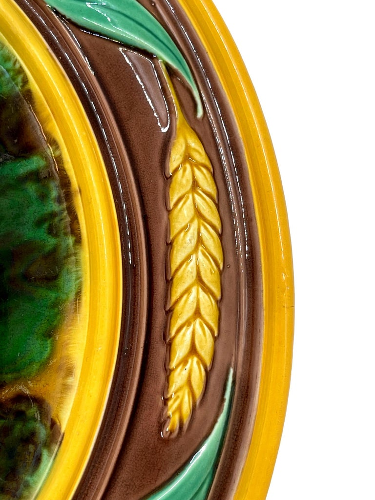 19th Century Majolica Round Bread Platter with Mottled Center and Wheat, English, circa 1875 For Sale