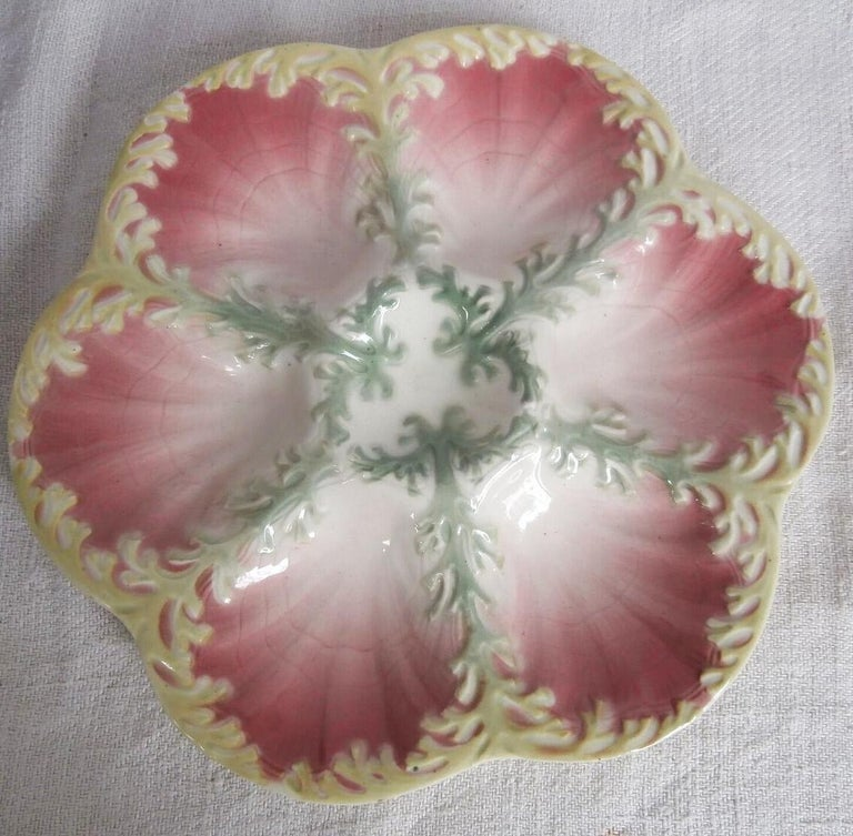 Early 20th Century Majolica Seaweeds Oyster Plate Keller et Guerin Saint Clement For Sale