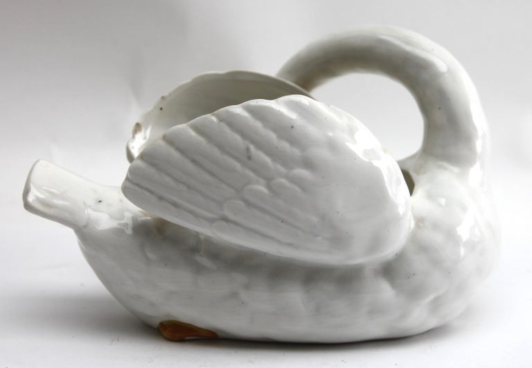 Majolica Set of White Swans Jardinière Stamped Imperiale Nimy Belgium circa 1900 For Sale 3