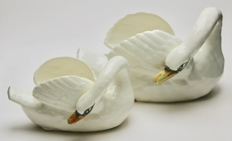 Majolica set of white swans jardinière Nimy, circa 1900.