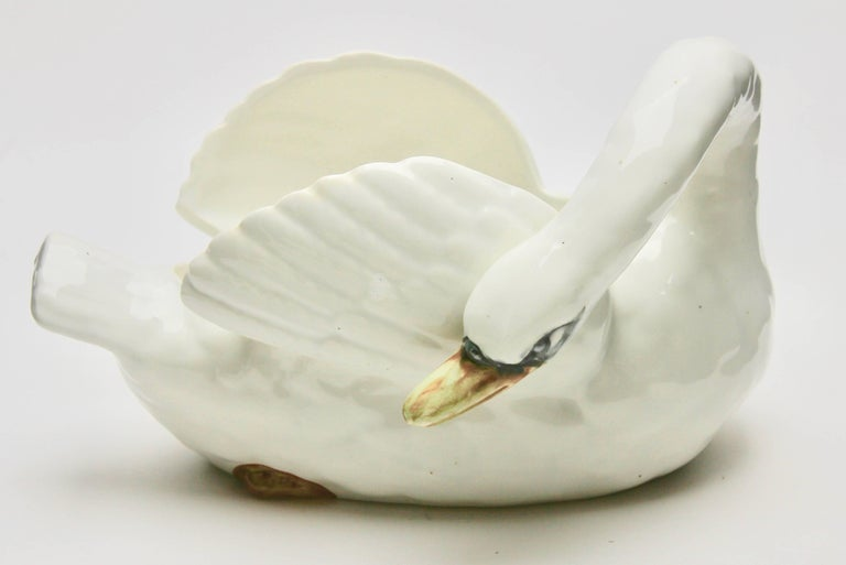 Art Nouveau Majolica Set of White Swans Jardinière Stamped Imperiale Nimy Belgium circa 1900 For Sale