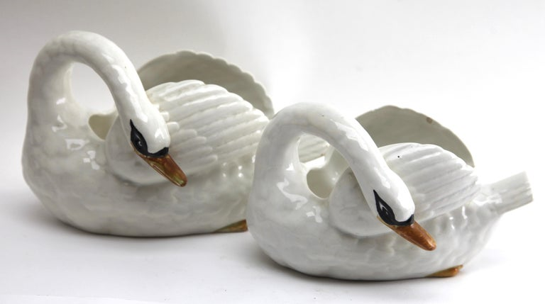 Majolica Set of White Swans Jardinière Stamped Imperiale Nimy Belgium circa 1900 For Sale 1