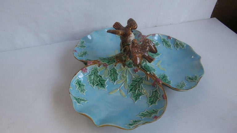 Majolica Three Part Server with Holly and Birds George Jones In Good Condition For Sale In The Hills, TX