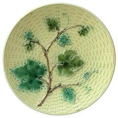 Majolica Vine Leaves Plate Sarreguemines, circa 1870