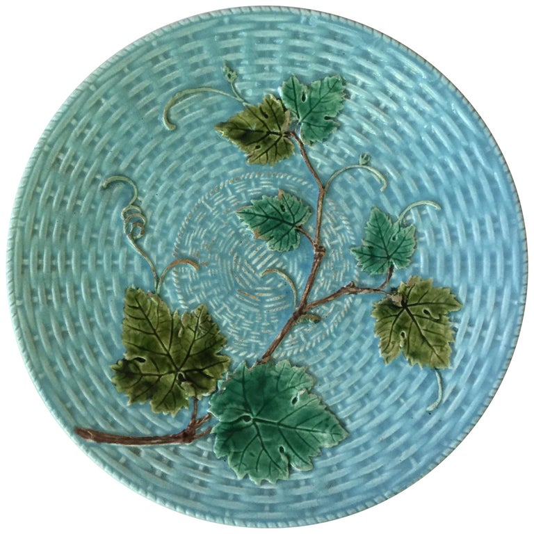 Majolica Vine Leaves Plate Sarreguemines, circa 1890 For Sale