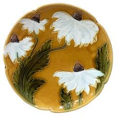Majolica White Daisies Platter, circa 1900