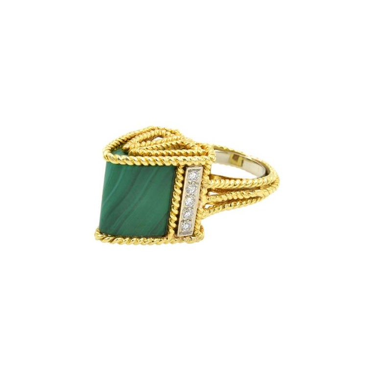 1970s 18k yellow gold triangular ring with malachite and 10 round brilliant cut diamonds, approximately 0.30cts.  Size 6 1/2 and can be altered.