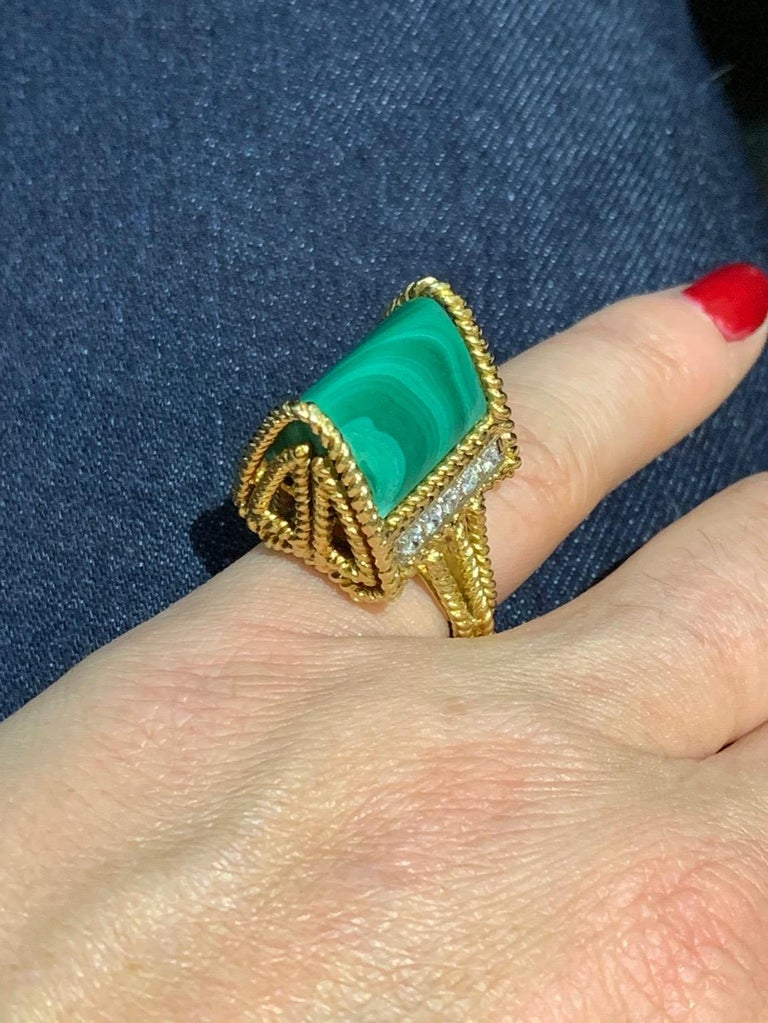 Malachite Modernist Ring 18 Karat For Sale 2