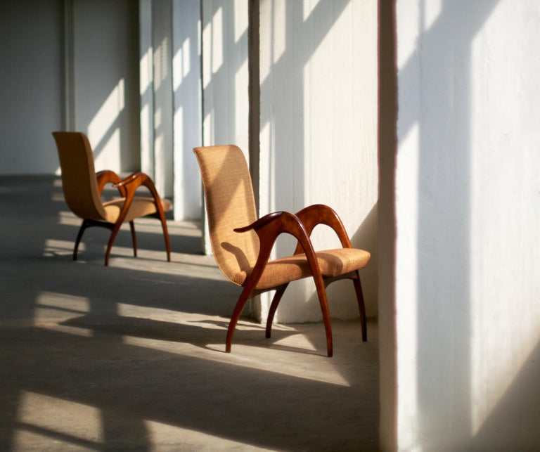 Malatesta and Mason Pair of Sculptural Armchairs in Walnut, Italy, Early 1950s For Sale 5