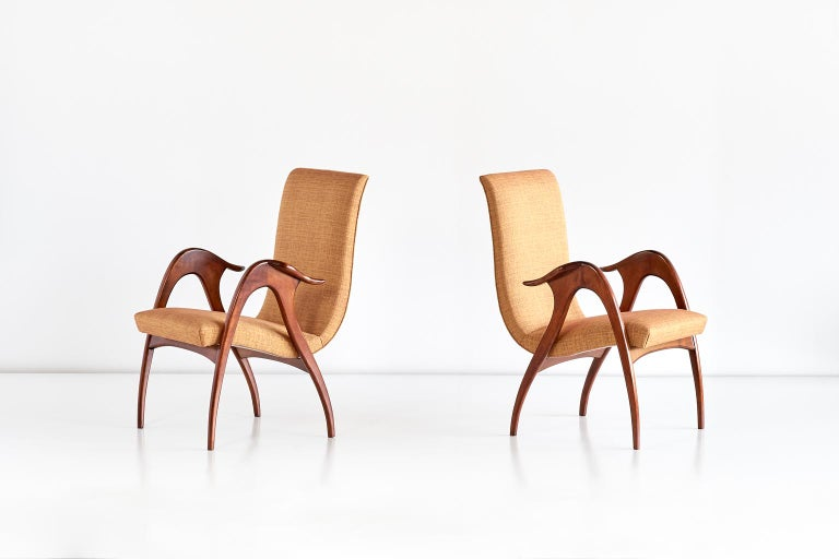 Mid-Century Modern Malatesta and Mason Pair of Sculptural Armchairs in Walnut, Italy, Early 1950s For Sale