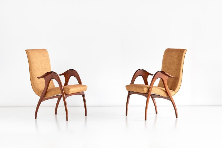 Italian Malatesta and Mason Pair of Sculptural Armchairs in Walnut, Italy, Early 1950s For Sale