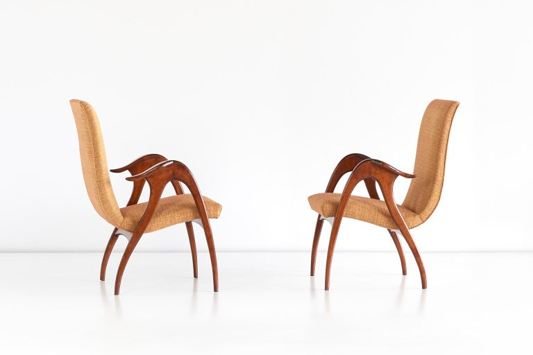 Mid-20th Century Malatesta and Mason Pair of Sculptural Armchairs in Walnut, Italy, Early 1950s For Sale