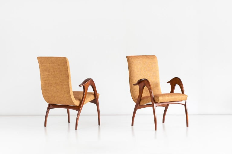 Malatesta and Mason Pair of Sculptural Armchairs in Walnut, Italy, Early 1950s For Sale 2