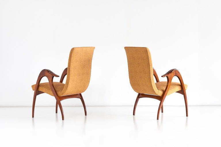 Malatesta and Mason Pair of Sculptural Armchairs in Walnut, Italy, Early 1950s For Sale 3