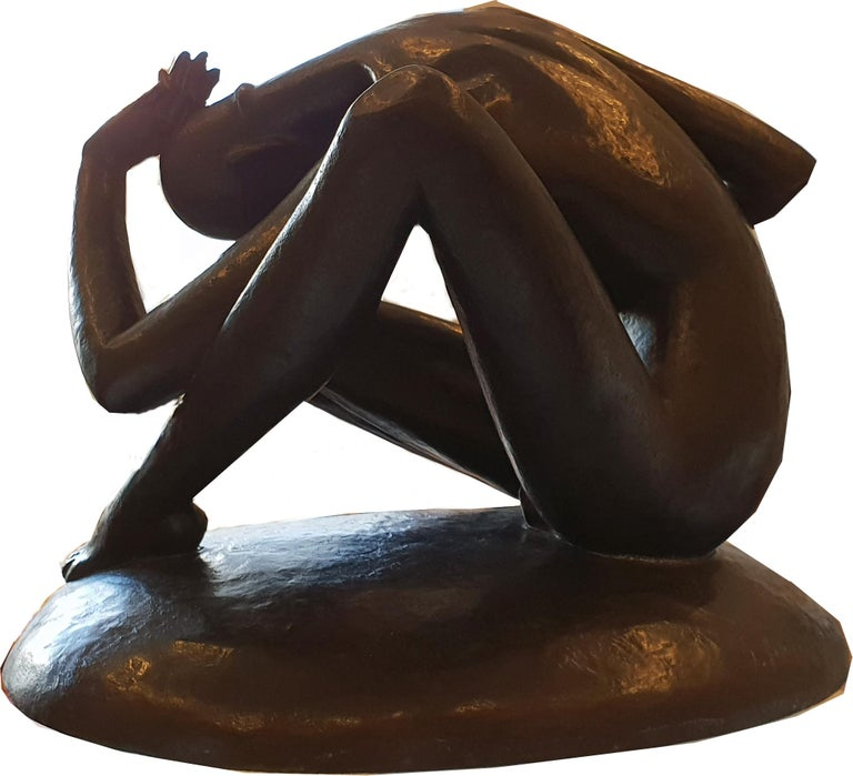 Male nude, circa 1925. Bronze, dark patinated. Early original cast by Noah, Berlin. Signed on the base: G. Schliepstein. Measurements: Height: 12.99 in ( 33 cm ), Width: 15.75 in ( 42 cm ), Depth: 12.2 in ( 31 cm ).