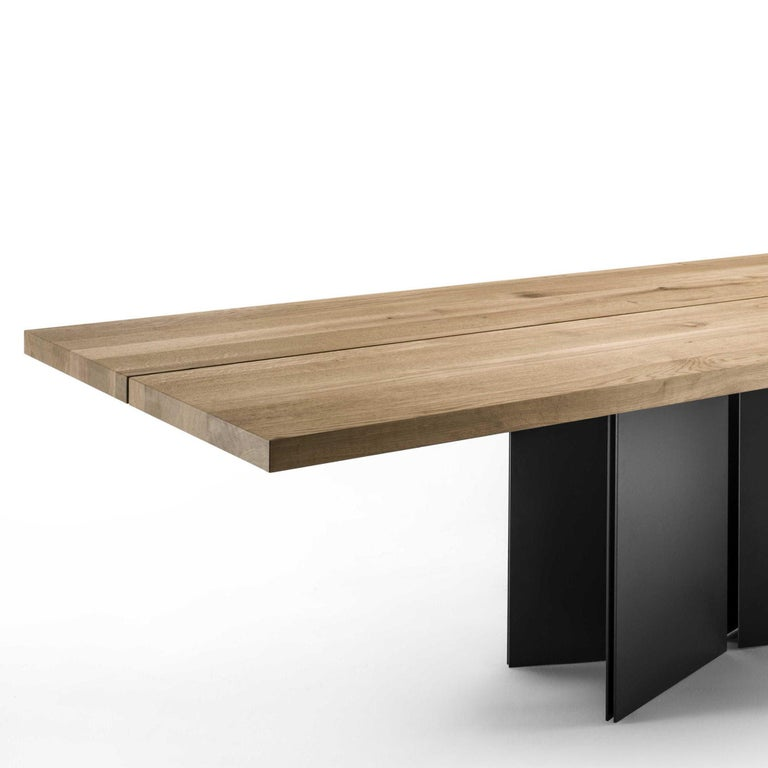 Dining table Mamba with top in natural solid
