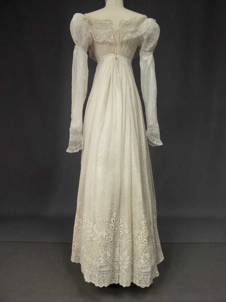 Mameluck Dress in Muslin and Embroidered Veil - First French Empire Circa 1810 For Sale 6