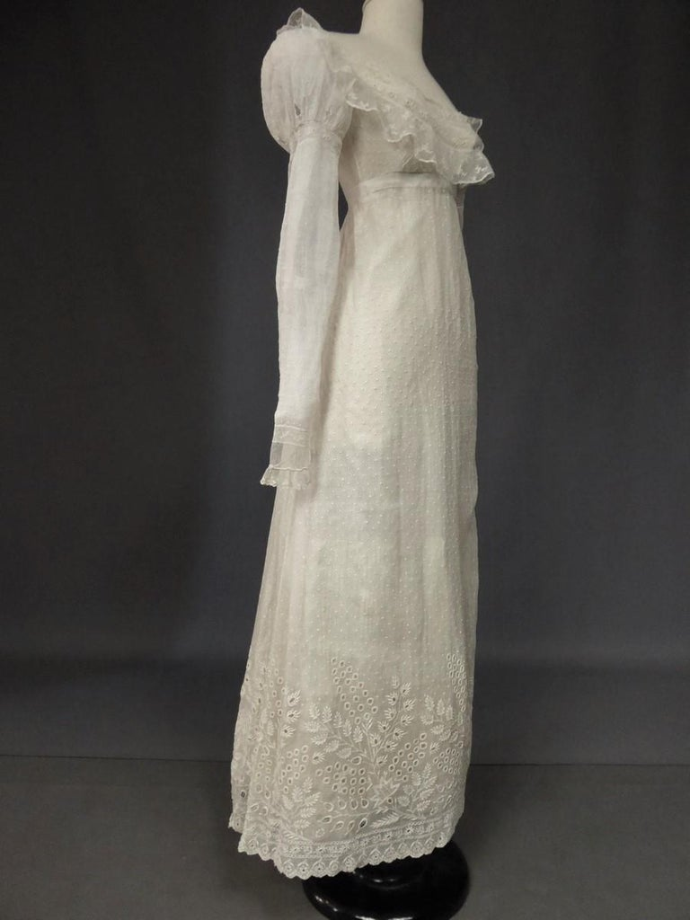 Mameluck Dress in Muslin and Embroidered Veil - First French Empire Circa 1810 For Sale 2