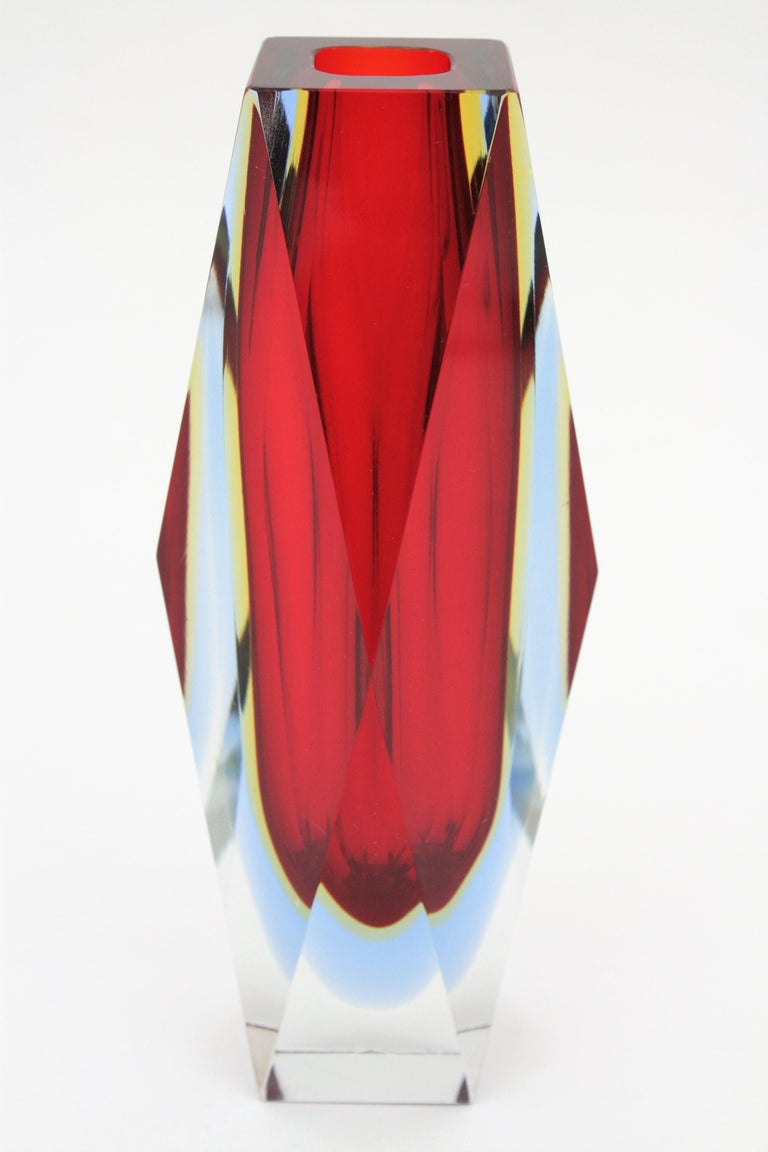 Mandruzzato Murano Sommerso Red, Blue, Yellow & Clear Faceted Glass Vase, 1960s For Sale 1