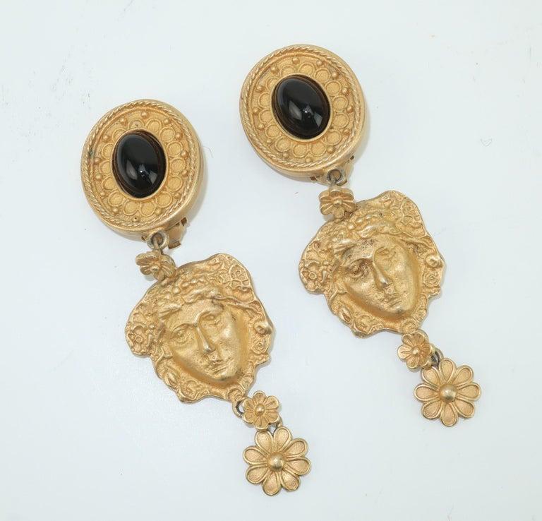 Mandy Dan Gold Tone Goddess Dangle Earrings, 1980's In Fair Condition For Sale In Atlanta, GA